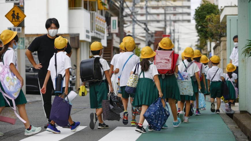 It's back to school in Japan, but COVID-19 is keeping some children at home