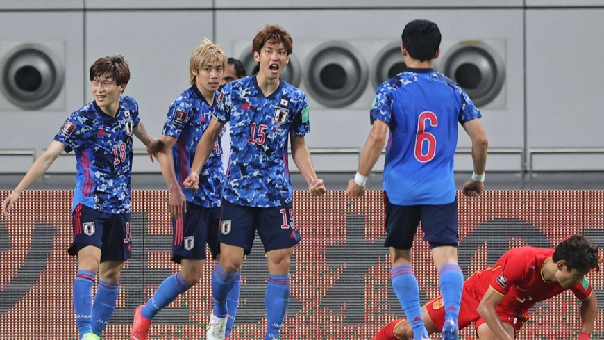 Japan bounces back with World Cup qualifying win over China