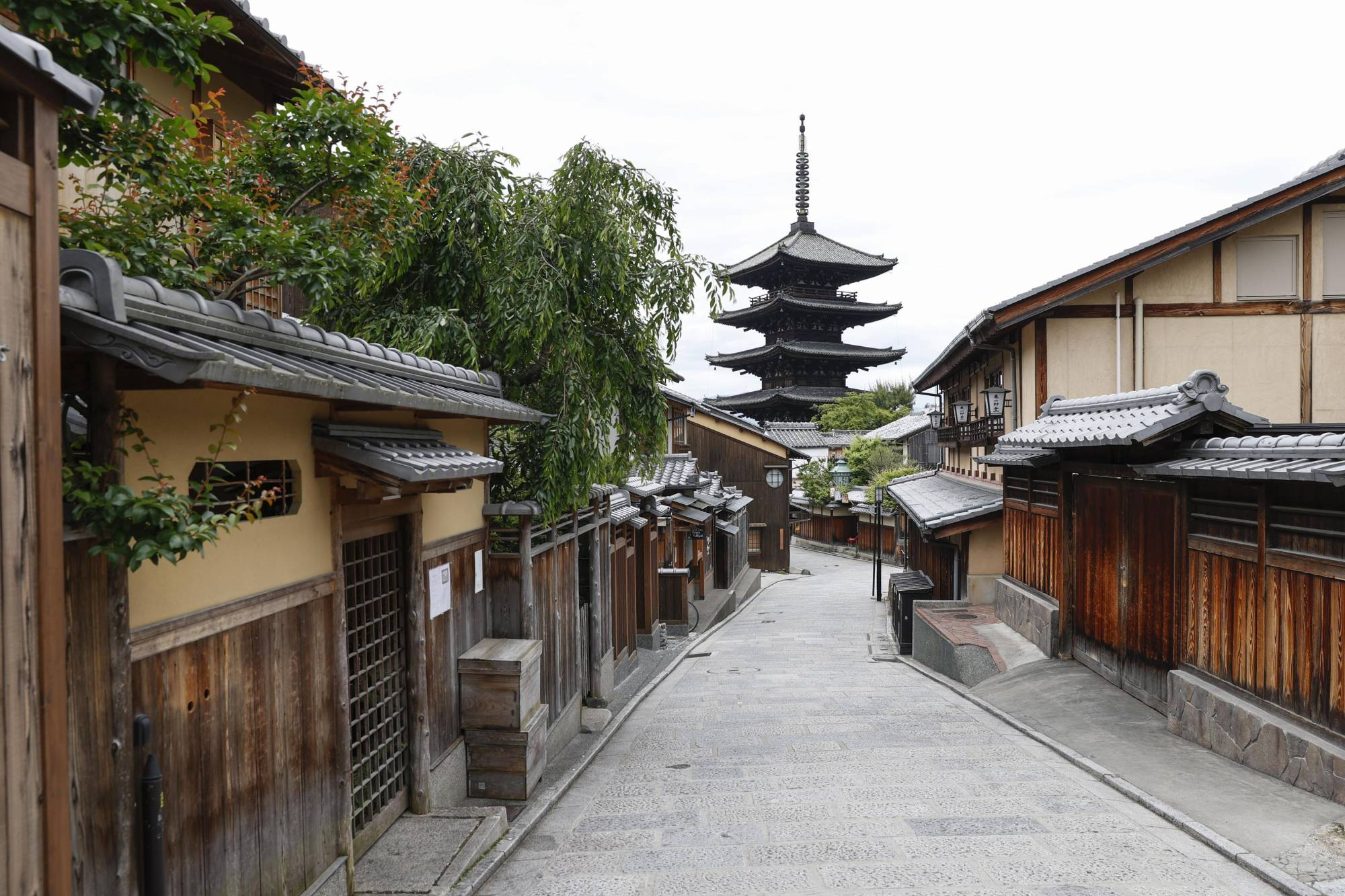 The Kyoto municipal tourism office announced in June that as few as 450,000 foreign tourists visited the city in 2020 — an  88% drop compared to the 3.8 million visitors who came in 2019. | KYODO