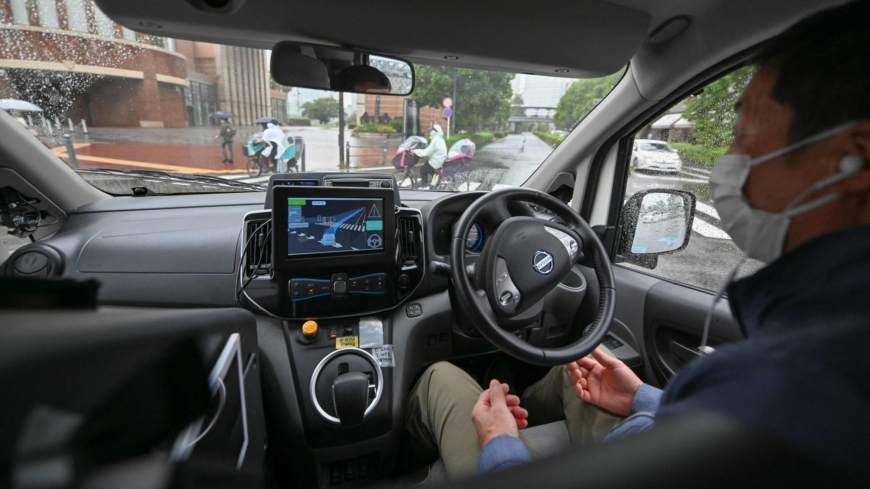 A bumpy road as aging Japan bets on self-driving cars