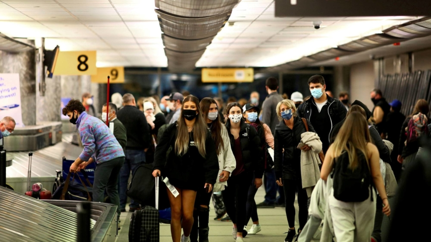 U.S. to end travel bans for vaccinated passengers