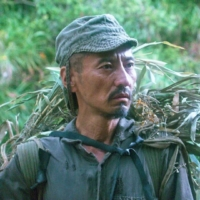 Kanji Tsuda plays Hiroo Onoda, the last Japanese soldier to surrender after World War II, during his time on the island of Lubang in Arthur Harari's 'Onoda: 10,000 Nights in the Jungle.' | © BATHYSPHERE / TO BE CONTINUED / ASCENT FILM / CHIPANGU / FRAKAS PRODUCTIONS / PANDORA FILM PRODUKTION / ARTE FRANCE CINEMA