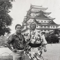 John Jacques (right) poses with sumo journalist Toshiharu Kyosu in 1976 in Nagoya. | COURTESY OF JOHN JACQUES