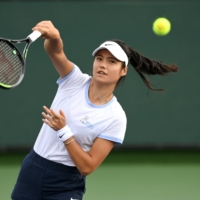Emma Raducanu hits a shot during practice in Indian Wells, California, on Wednesday. | USA TODAY / VIA REUTERS