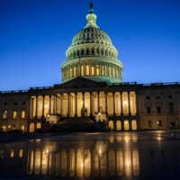 The U.S. Senate on Thursday voted to stave off a credit default that would have sparked a recession and roiled world markets as Democrats and Republicans agreed to a stopgap fix to raise the nation's debt limit. | AFP-JIJI