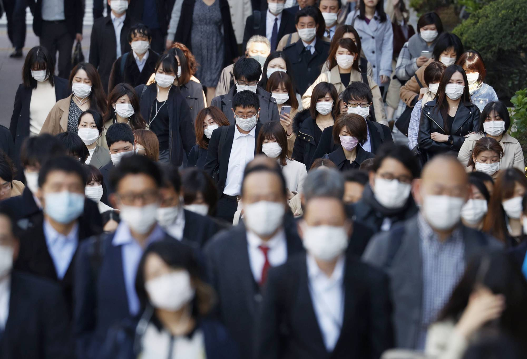 Experts are warning of a possible flu outbreak this season. | KYODO